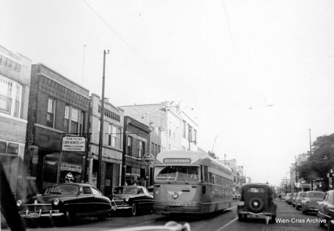 CTA 4200 northbound on Clark near Montrose. (Robert Selle Photo, Wien-Criss Archive)