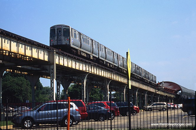 "A southbound CTA Englewood train has just crossed over 31st Street on the South Side ""L"" main line. The view looks south across 31st. June 28, 2018. (William Shapotkin Photo)"