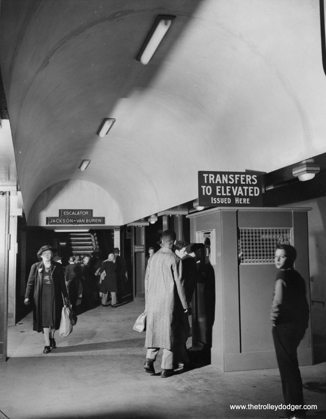 """Subway riders downtown could get a """"walking transfer,"""" good for 15 minutes, to change to """"L"""" trains above."""