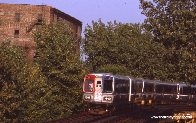 "A northbound Lake-Englewood ""A"" train of 2000-series cars approaches the ""L"" station at 40th and Indiana in September 1993. (Myron Lane Photo)"