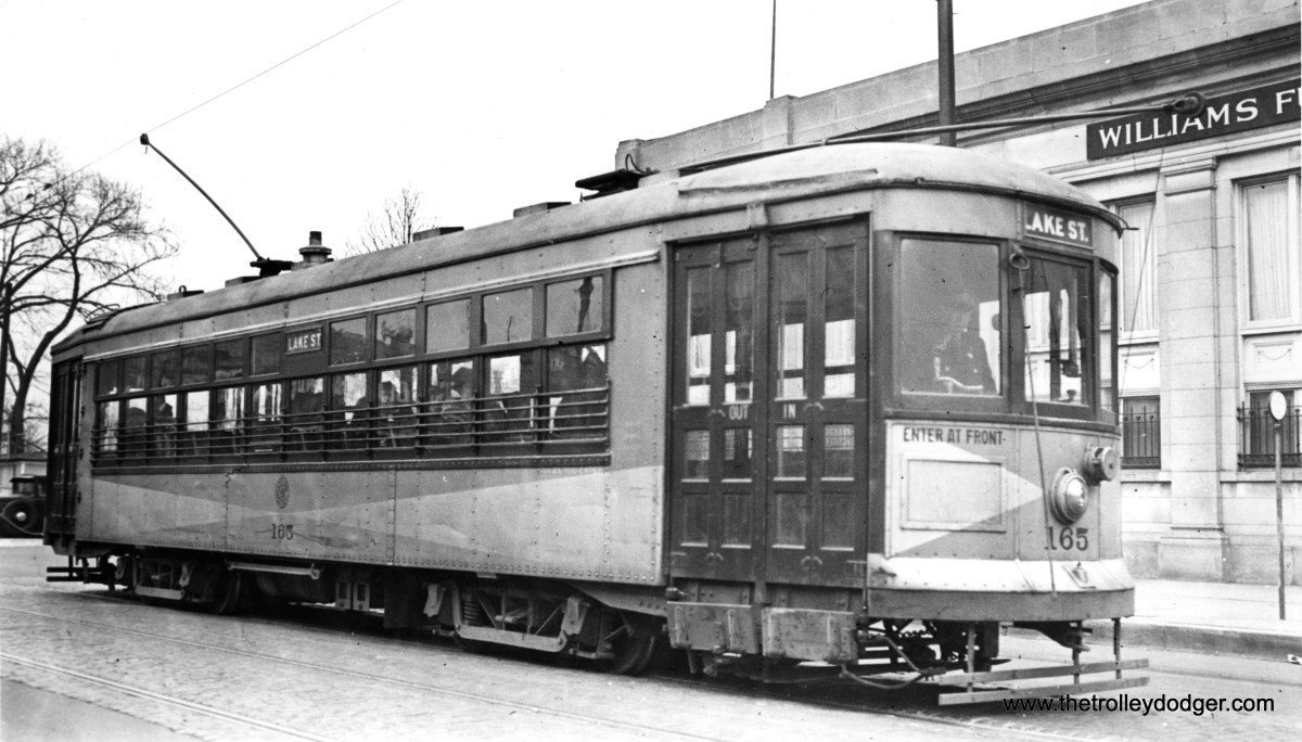 C&WT 165 is at Lake and Austin, the east end of the line, in suburban Oak Park. (William Shapotkin Collection)