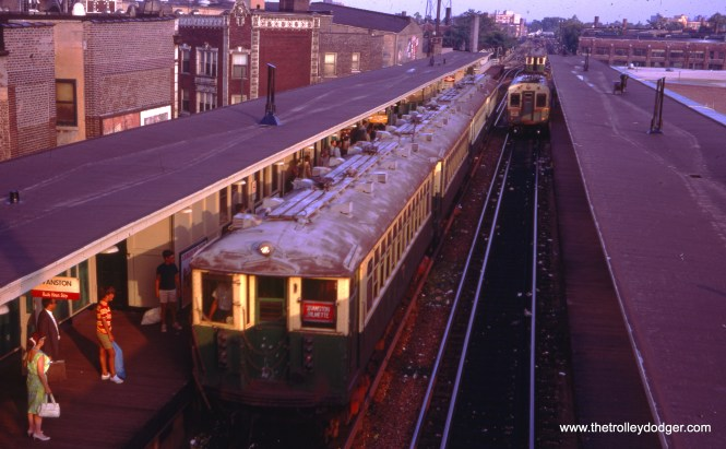 An Evanston train of 4000s at Howard in December 1968.