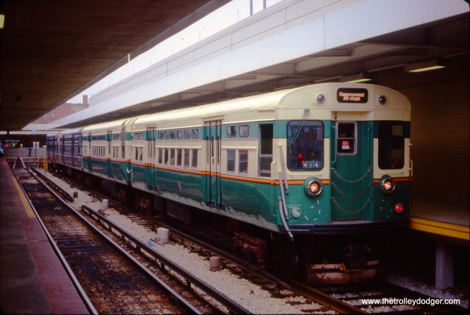 CTA 6101-6102 at Kimball and Lawrence in March 1993. (John J. Le Beau Photo)