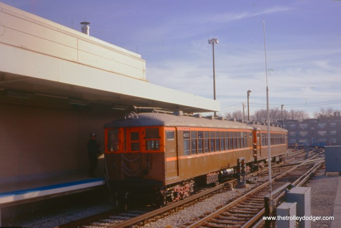 CTA 4271-4272 at Kimball and Lawrence., during an NRHS fantrip on December 13, 1998. During the fantrip, these cars were operated between the terminal and the storage yard, for the benefit of ticket-holders. (William Shapotkin Photo)