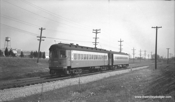 CA&E 429 at the head of a two-car train.
