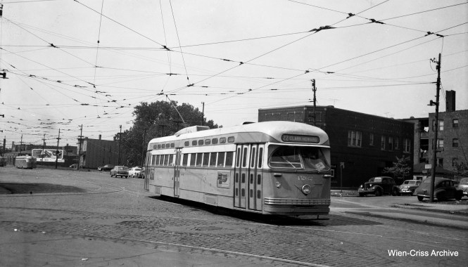 CTA PCC 4262 is on 77th, by the car barn at 77th and Vincennes. The PCC is going to go northbound on Route 22 - Clark-Wentworth. (Wien-Criss Archive)