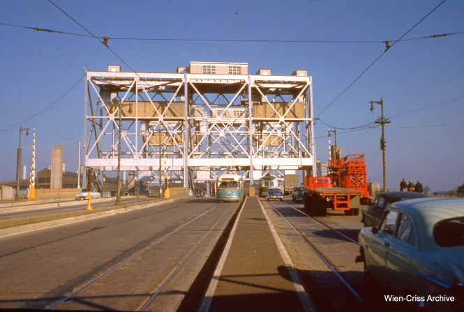 CTA 7284 is on Western at the Chicago Sanitary and Ship Canal on October 8, 1953. (Wien-Criss Archive)