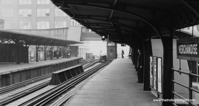 The Merchandise Mart station, looking south, on September 26, 1944. Those tracks at left went to the old North Water Terminal. This version of the image is a composite made up by combining the scans from two different prints, and shows slightly more of the overall scene than either would individually.