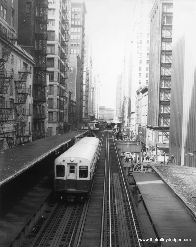 A CTA Loop Shuttle train on the Wabash leg in 1974.
