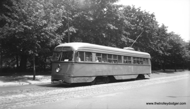 This is a Brooklyn PCC car, one of a hundred in use from 1936 to 1956. It is signed for Route 68 and could be heading to the Brooklyn Bridge. Other than that, I have no information.
