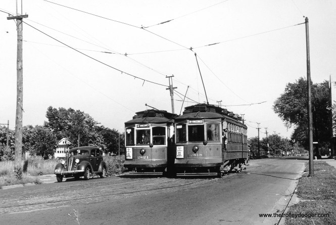 Chicago Surface Lines 2821 and 2818 at 111th and Halsted in 1944. (William Shapotkin Collection)