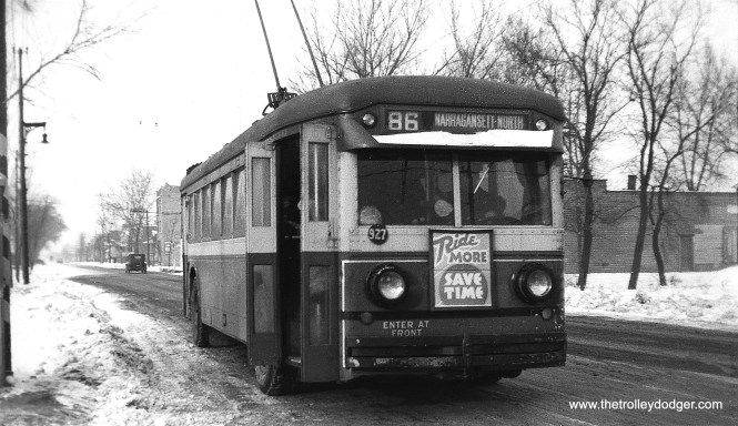 A Chicago Surface Lines trolley bus on Route 86 - Narragansett. This route used trolley buses from 1930 to 1953.