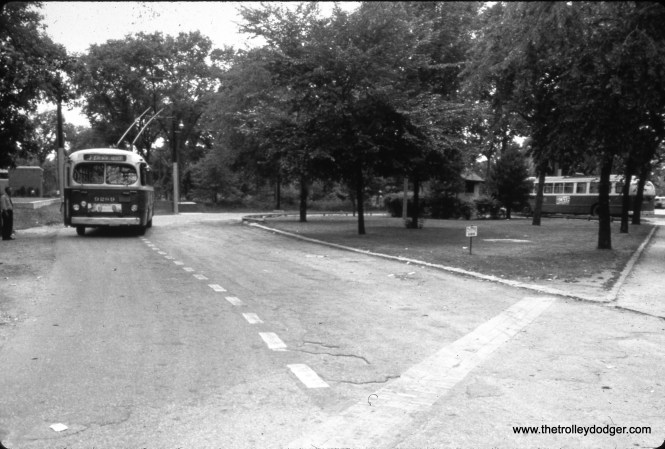CTA trolley bus 9289 at the turnaround loop at Belmont and Cumberland.