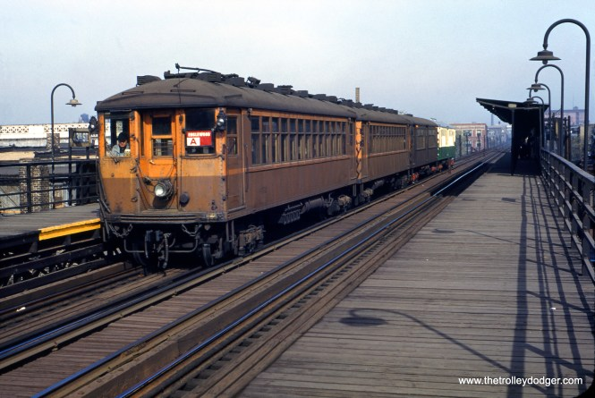 William C. Hoffman took this picture of a four-car train of 4000s at 43rd Street on October 13, 1952... with three cars in the old paint scheme and one in the new.