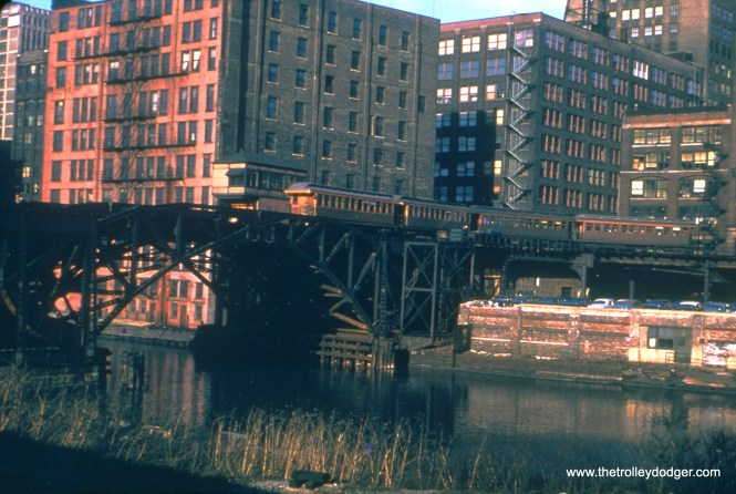 CTA 2256 is part of a four-car Met train, turning from Market Street onto the double bridge over the Chicago River in March 1951. (Truman Hefner Photo)
