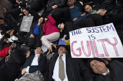 Public defenders die-in protest