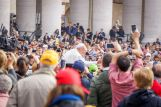 Crowds greeting the pope (photo by april on flickr)