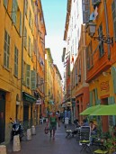 Laneways of the Old Town - The Best of France: A Two Week Itinerary - The Trusted Traveller