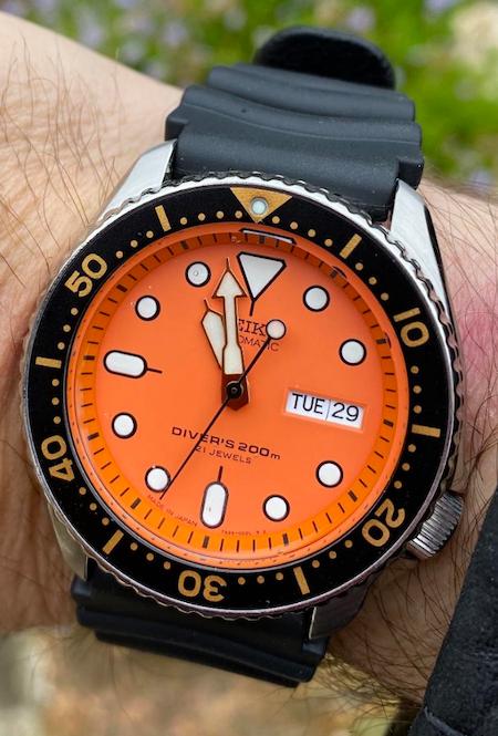 SEIKO Diver Automatic Orange Dial Men's Watch Item No. SKX011J1