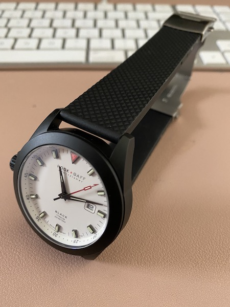 Sportsfisher rubber strap (courtesy thetruthaboutwatches.com)
