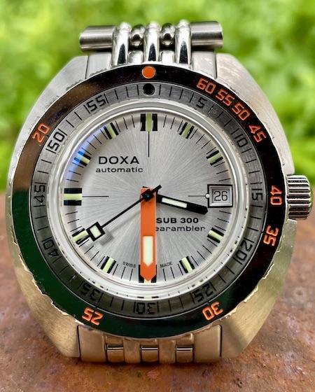 DOXA SUB 300 Searambler money shot