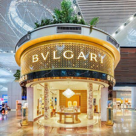 Bvlgari boutique - 2021 watch trends