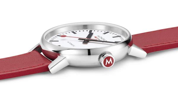 Mondaine EVO2 Automatic crown