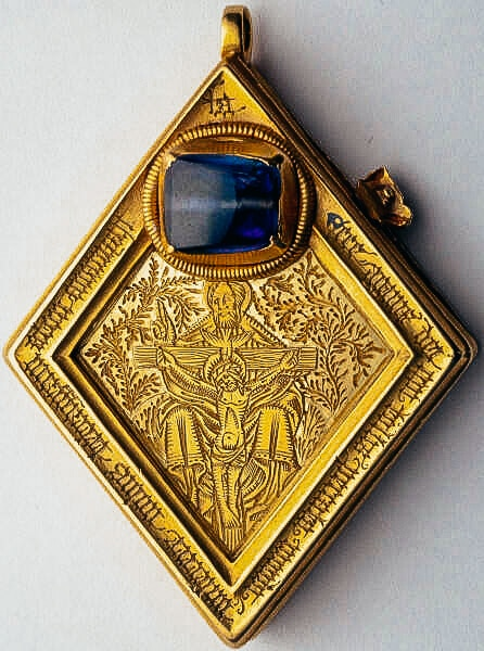 The front of the Middleham Jewel pendant