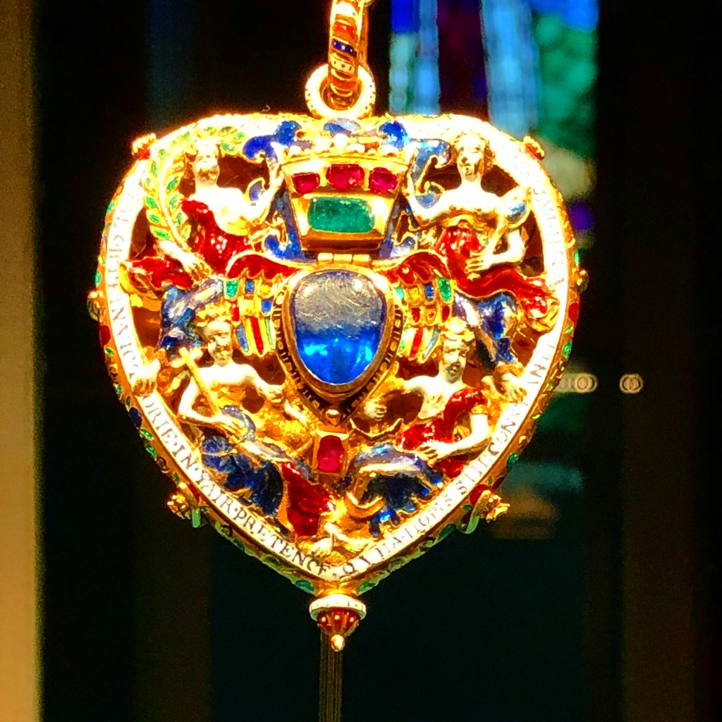 Picture of the Lennox Jewel