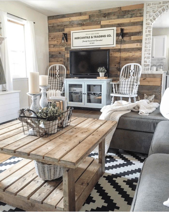Farmhouse Decor in 10 Stunningly Gorgeous Living Rooms on Curtains For Farmhouse Living Room  id=50984