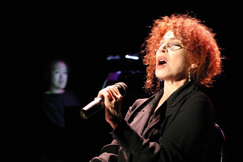 Julia Migenes on stage-Weill