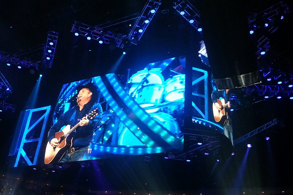 Garth Brooks Concert-via The TVolution