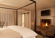 Edson Hill fireside tub king suite