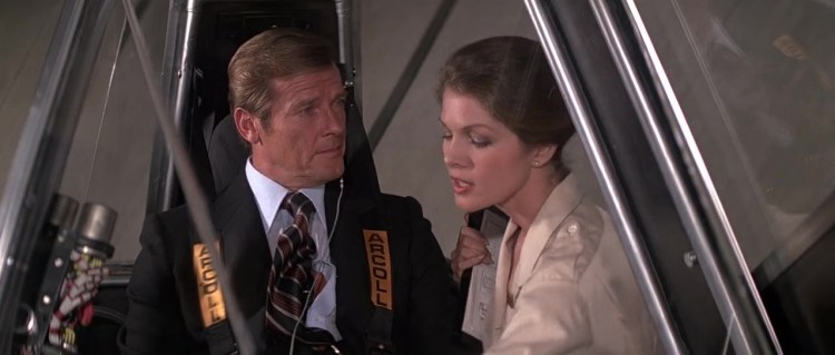 James.Bond.Moonraker.1979.720p.BRrip.x264.YIFY_Moment5