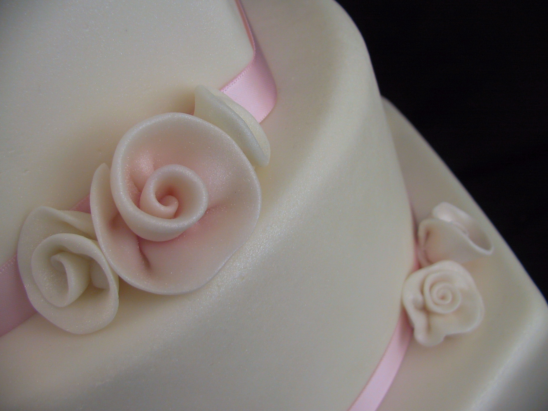 rolled roses 2 tiers