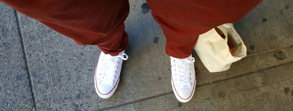 I decided to wear a brand new pair of Converses for the trip..... can't have dirty trainers for my shoe-selfie!
