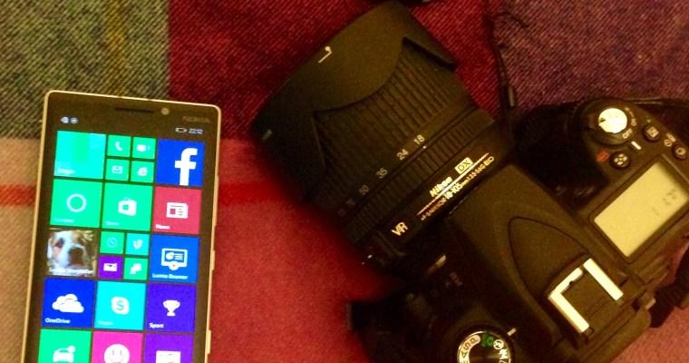 Blogging-on-the-go: DSLR v Camera Phone