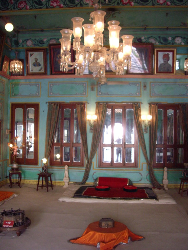 A_royal_meeting_room_inside_City_Palace_Udaipur