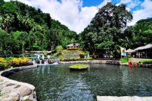 The refreshing view of the cold spring. (Photo courtesy from: Wayph.com