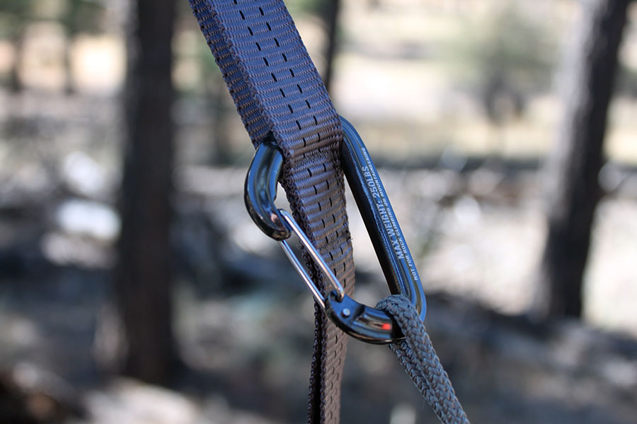 kids-carabiners-straps