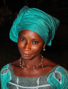 Head_of_a_african_woman_Gambia_with_green_clothing