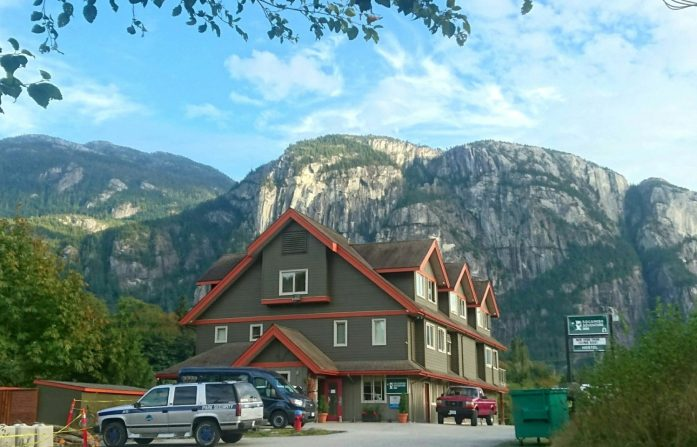 Squamish adventure inn hostel exterior