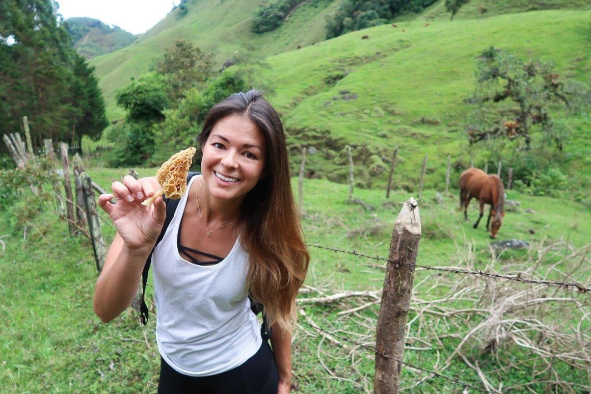kim-with-morel-mushroom-jardin-colombia