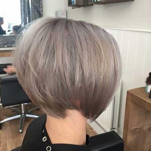 Ash-Blonde-Bob Chic Short Bob Haircuts for 2018