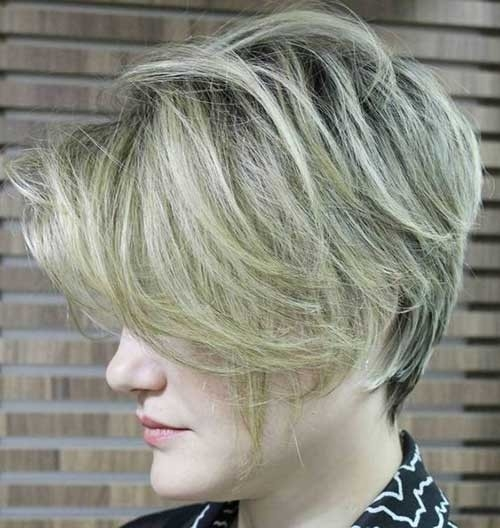 Ashy-Clonde-Short-Hair Splendid Layered Short Haircuts for Ladies