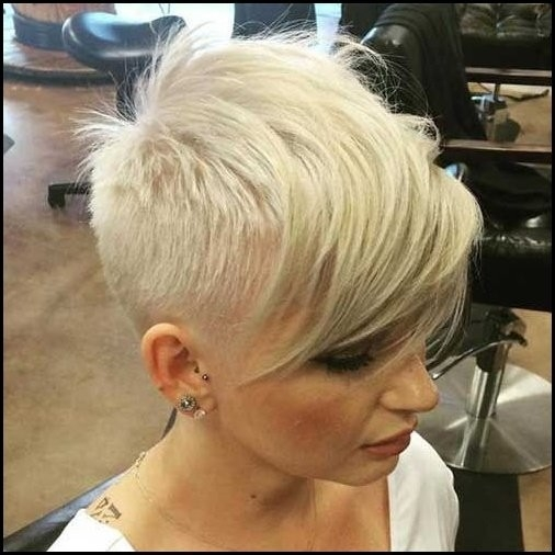 Chic-Short-Bob-Hairstyles-And-Haircuts-27 Totally Chic Short Bob Hairstyles And Haircuts for Every Woman