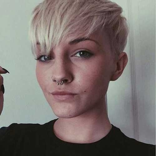 Cute-Style-for-Girls Superb Short Pixie Haircuts for Women