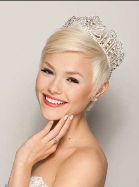 Extremely-Short-Platinum-Hair Short Hair Wedding Styles