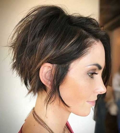 Graduation-Layers-1 Splendid Layered Short Haircuts for Ladies