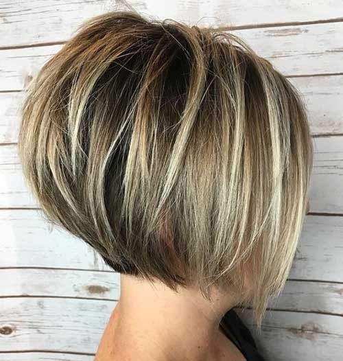 Highlighted-Short-Hair-Bob Chic Short Bob Haircuts for 2018